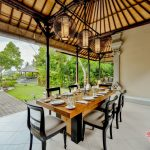 dinning room at villa cemadik