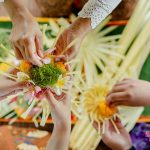 learn to make canang sari at villa cemadik by ubudvillasrental