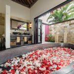 spacious bathtub at villa rumah lotus