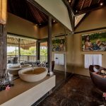 elegant bathtub at villa kelusa pondok surya