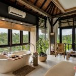 bathtub full view at villa kelusa pondok sapi