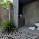 unique bathroom at villa kelusa pondok surya