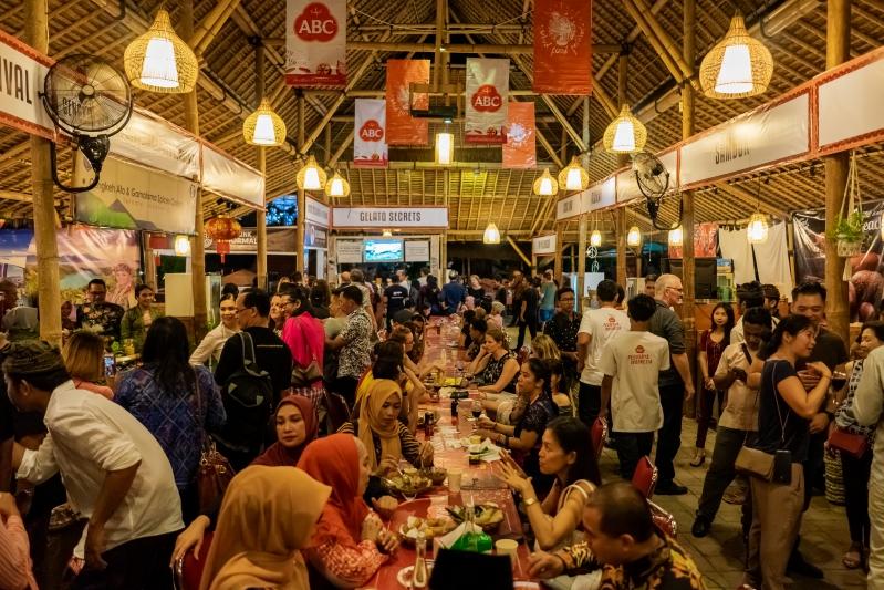 ubud food festival the crowd