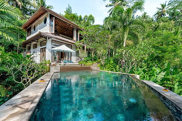 Villa Umah shanti pool