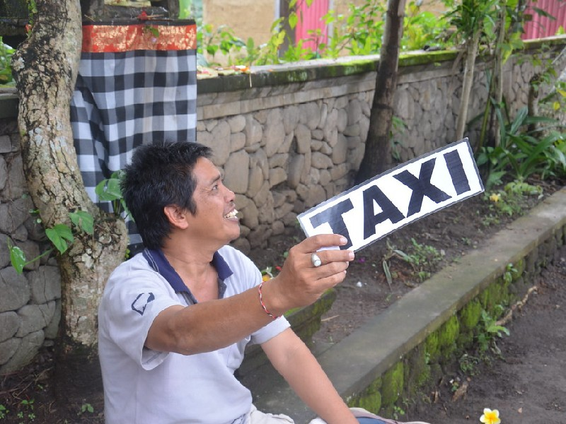 Getting Taxi in Ubud