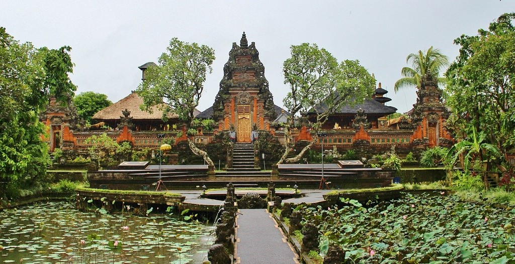 Culture-based tourism - Taman Saraswati temple