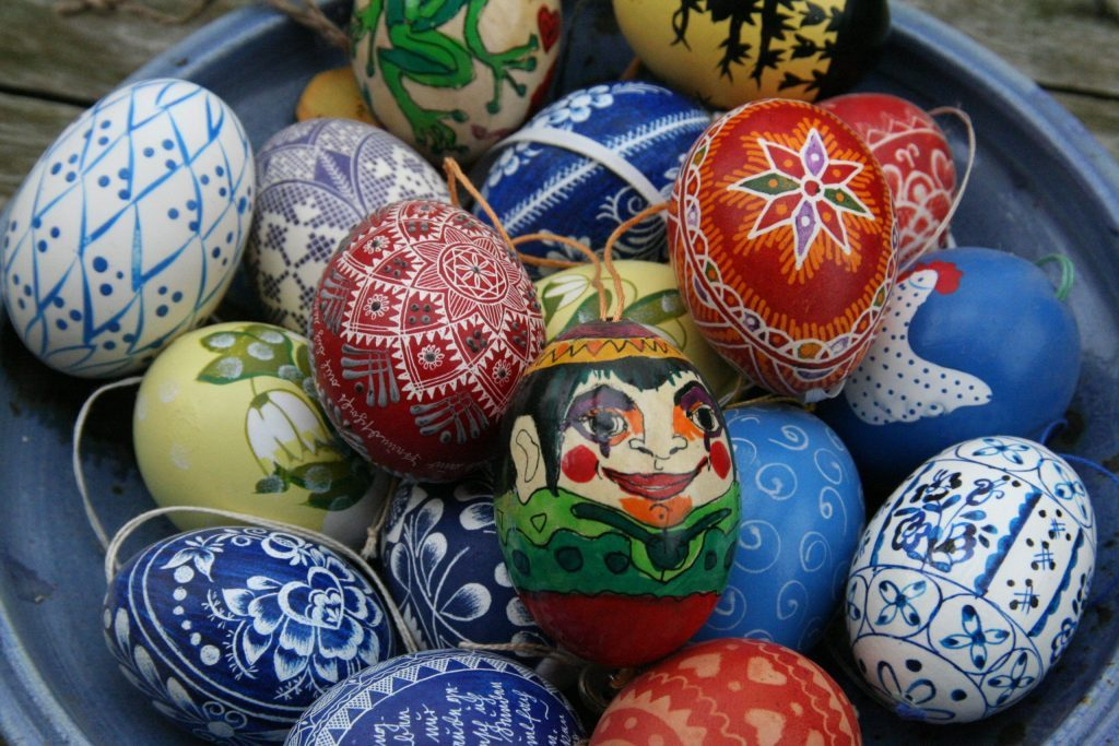 Decorating eggs influenced by a Ukrainian tradition